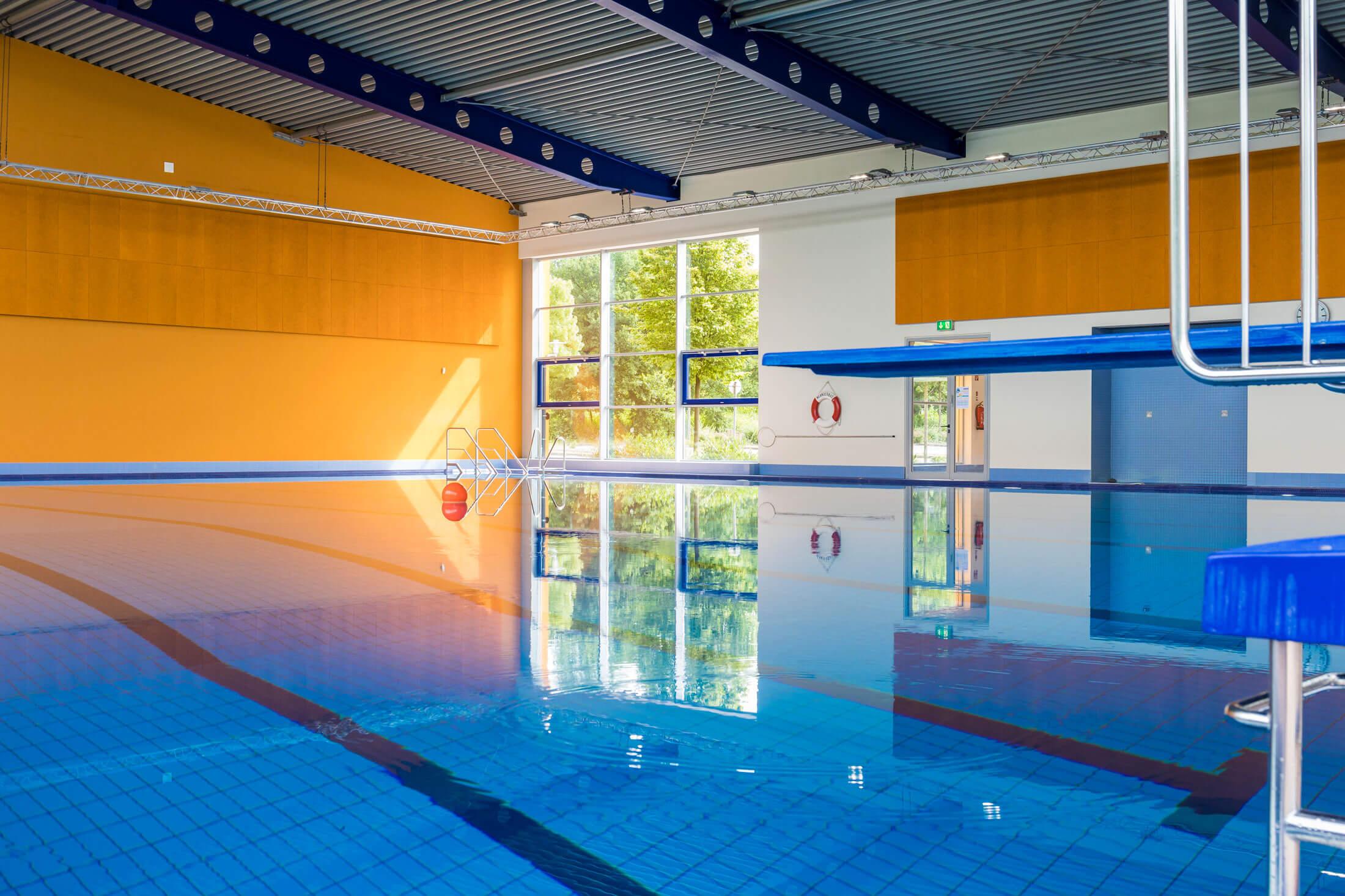 Neanderbad_Sportbecken_Schwimmbahnen